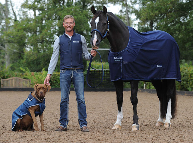 You are browsing images from the article: Bucas Rugs up the Dressage Superstars