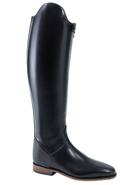 You are browsing images from the article: These boots are made for riding